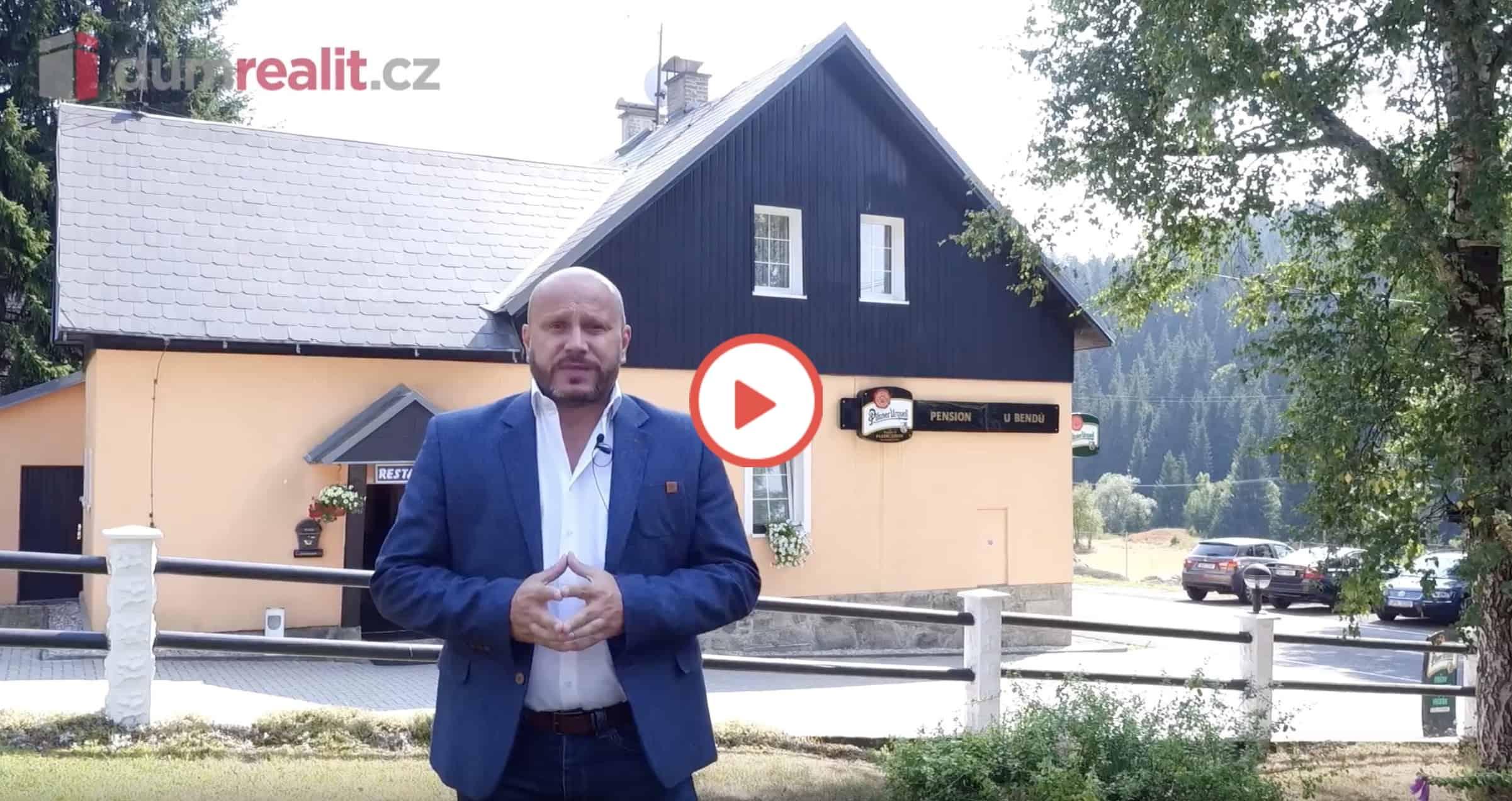 Roman Machník, realitní makléř, odkaz na video Penzion Pernink